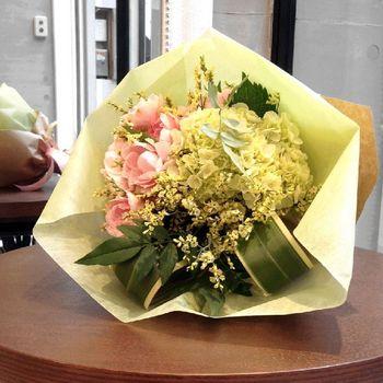 4彼女にお花束をプレゼント神戸.jpg