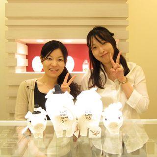 神戸でマリッジリングをオーダーしたお客様と記念写真!.jpg