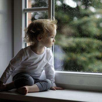 雨と少年.jpg